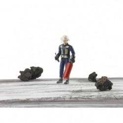 BRUDER - Figurine pompier avec casque, gants et accessoires